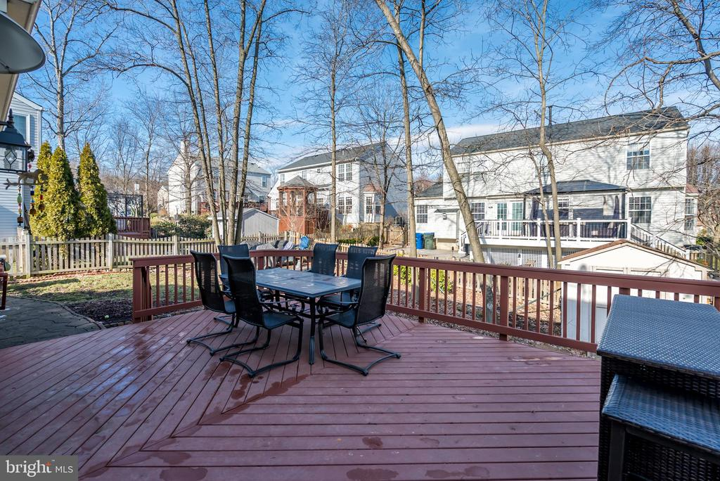 16 x 20 Deck (2010) - 20755 CITATION DR, ASHBURN