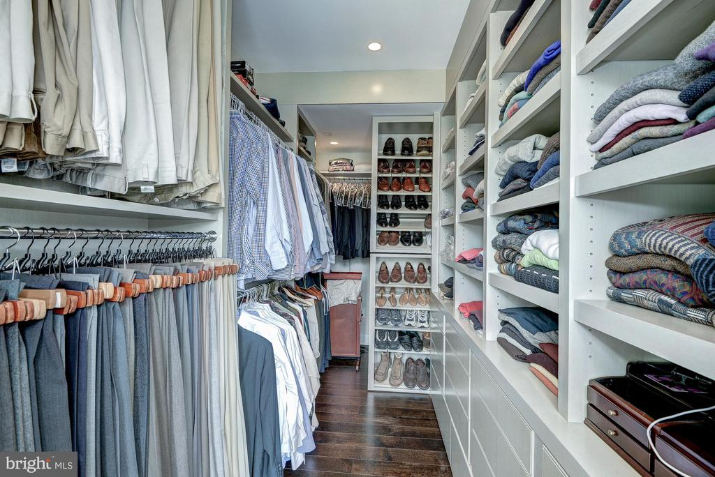 WALK-IN CLOSET - 1155 23RD ST NW #PH3E, WASHINGTON