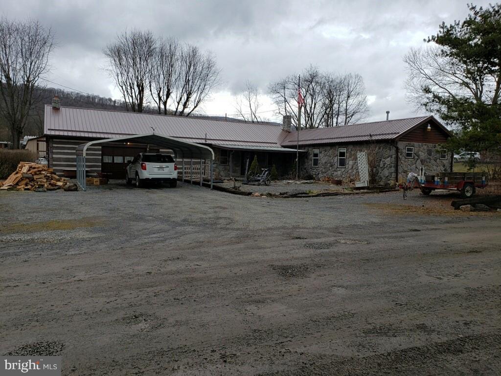 Single Family Homes para Venda às Rig, West Virginia 26836 Estados Unidos