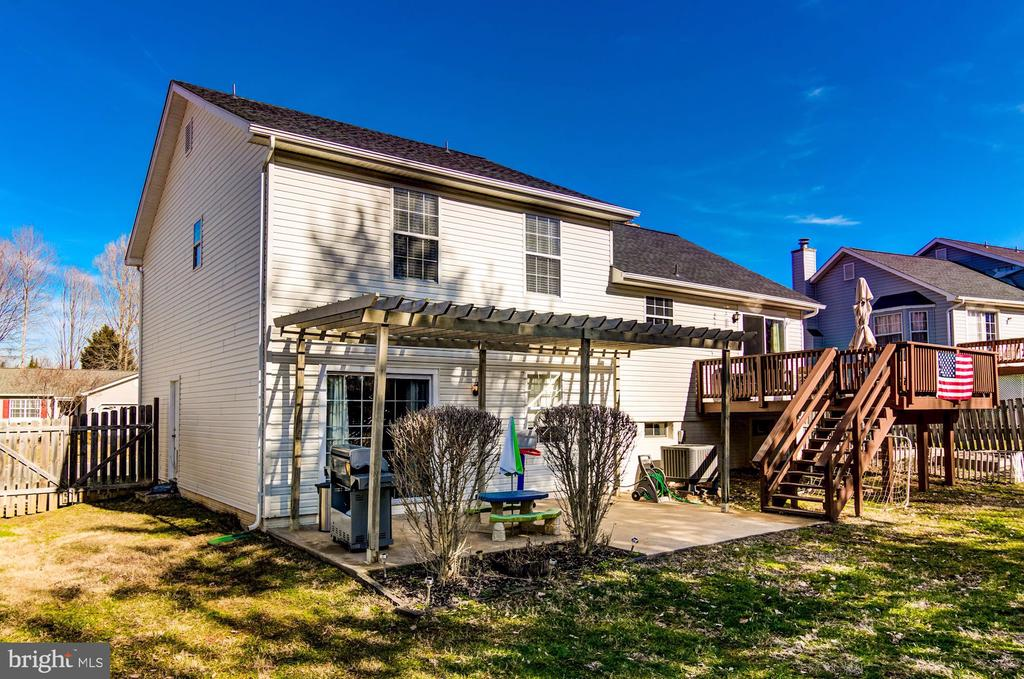 Deck and Patio! - 5 TABER CT, STAFFORD