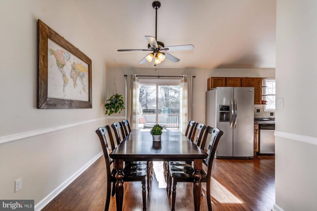 Dining/Breakfast Area - 5 TABER CT, STAFFORD
