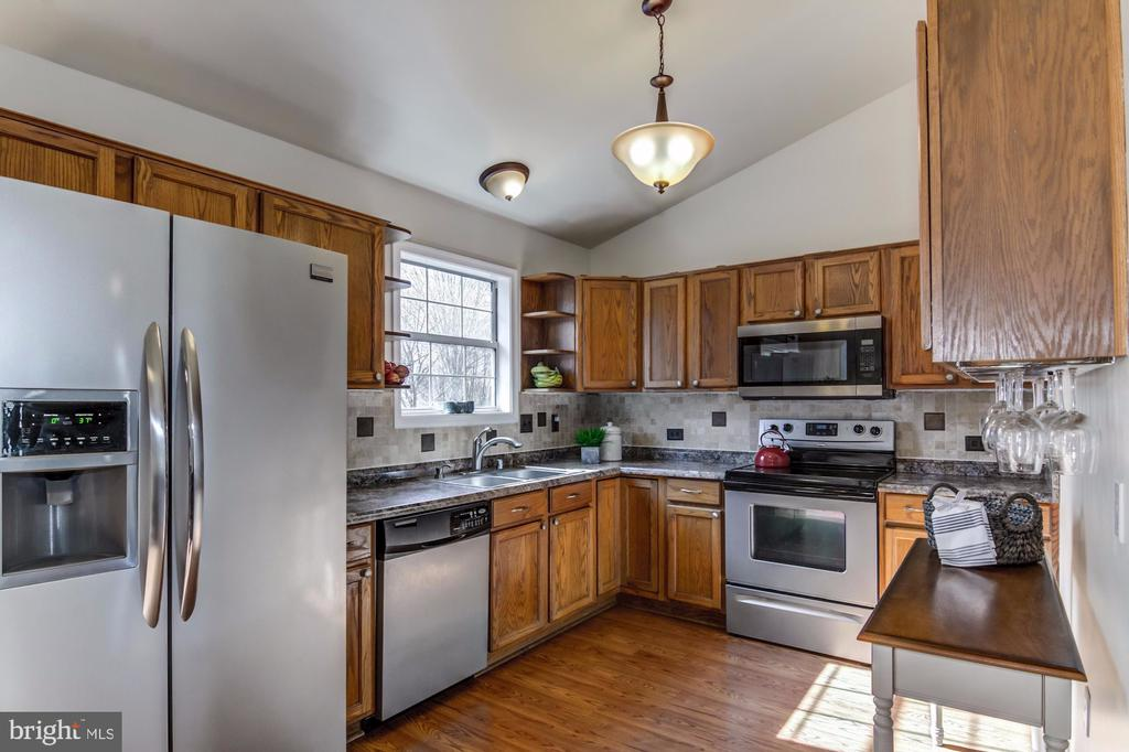 Stainless Steel Appliances - 5 TABER CT, STAFFORD