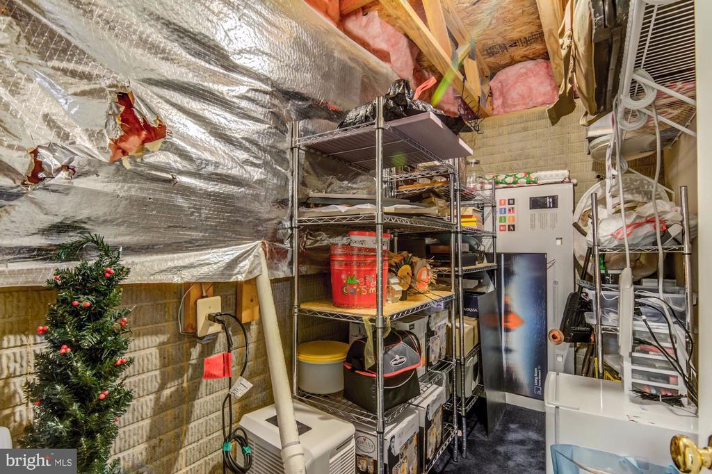 Extra Storage! - 5 TABER CT, STAFFORD