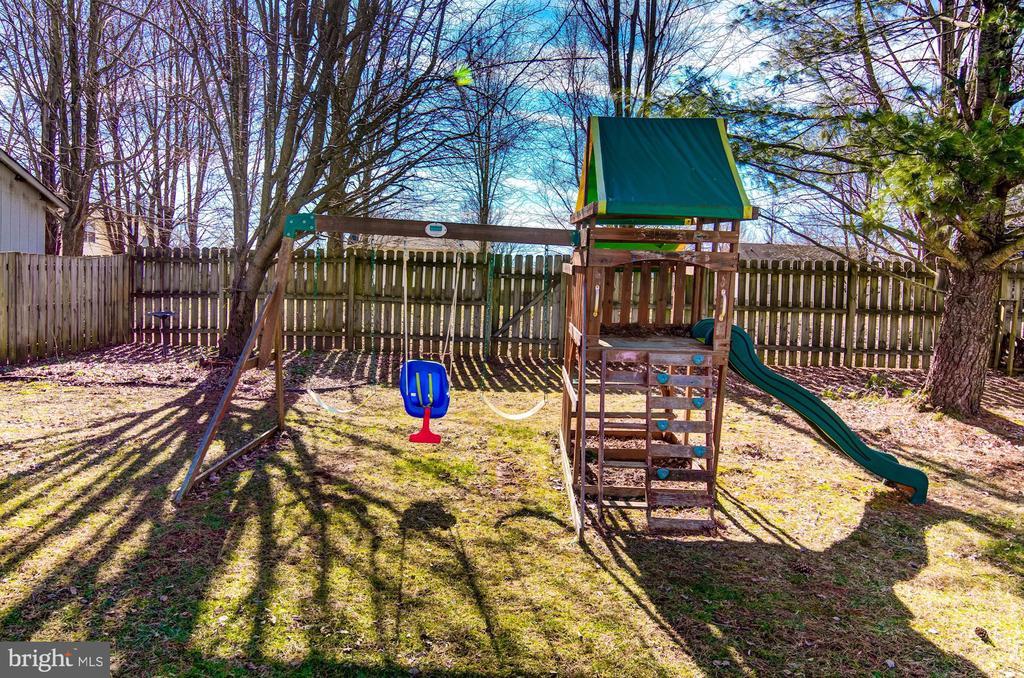 Playground - 5 TABER CT, STAFFORD