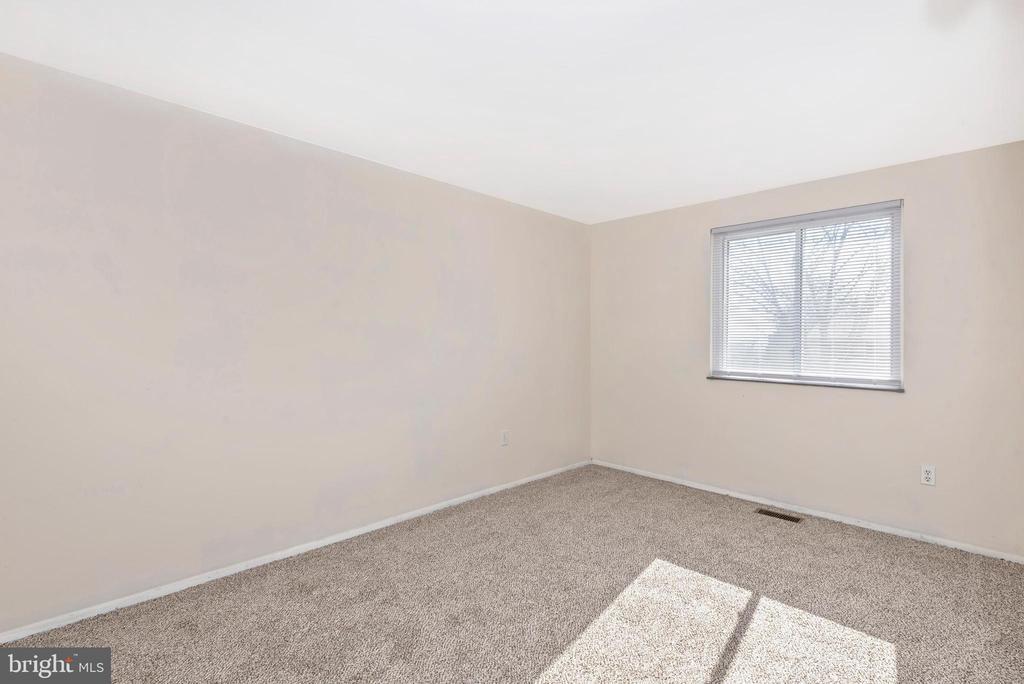 BEDROOM #2 - 2 PARK CT, WALKERSVILLE