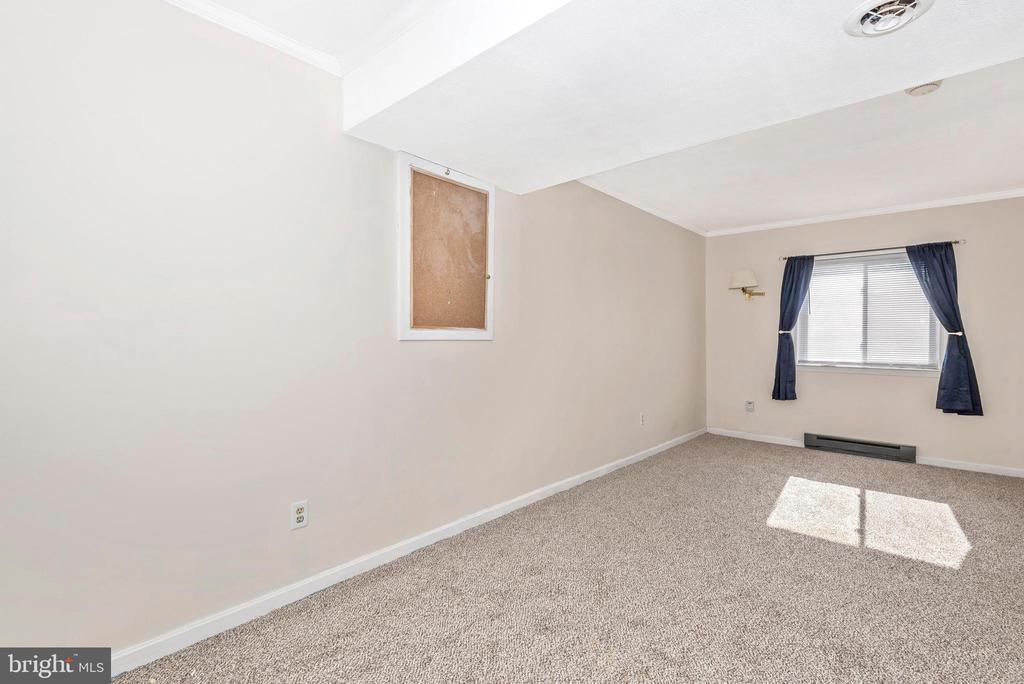 BEDROOM #4 - VIEW 2 - 2 PARK CT, WALKERSVILLE