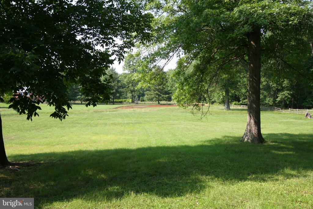 large  .75 acre lot backing to trees - REDROSE DR, POTOMAC FALLS