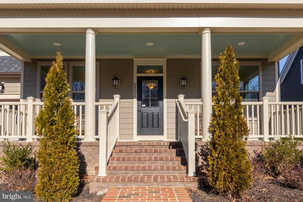 Charming entry & front porch - 2232 POTOMAC RIVER BLVD, DUMFRIES
