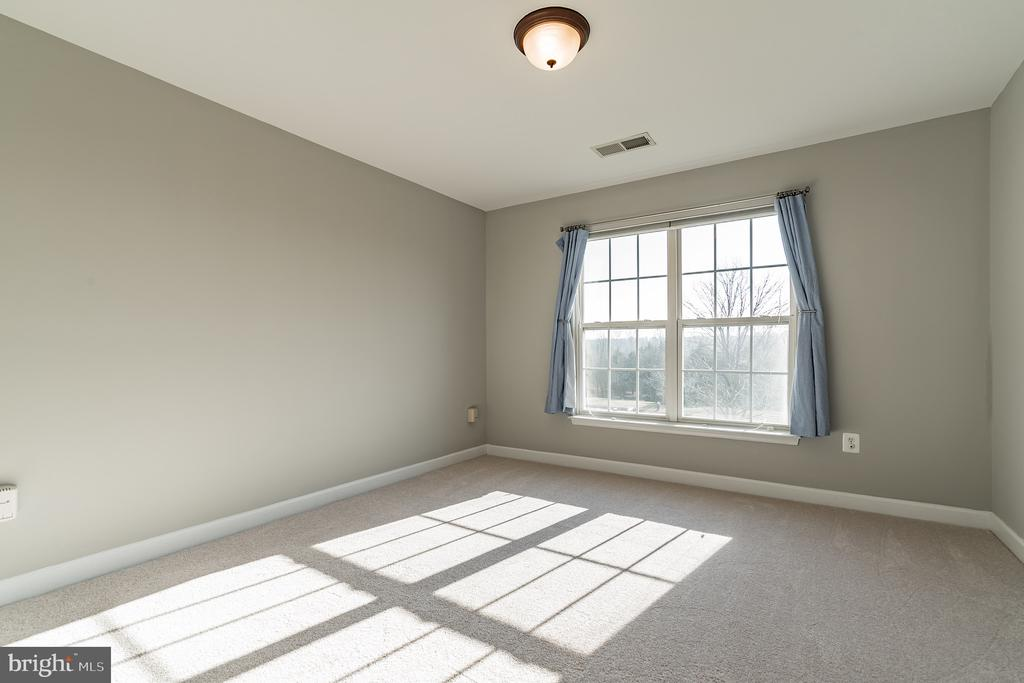 Third bedroom - 25975 MCCOY CT, CHANTILLY