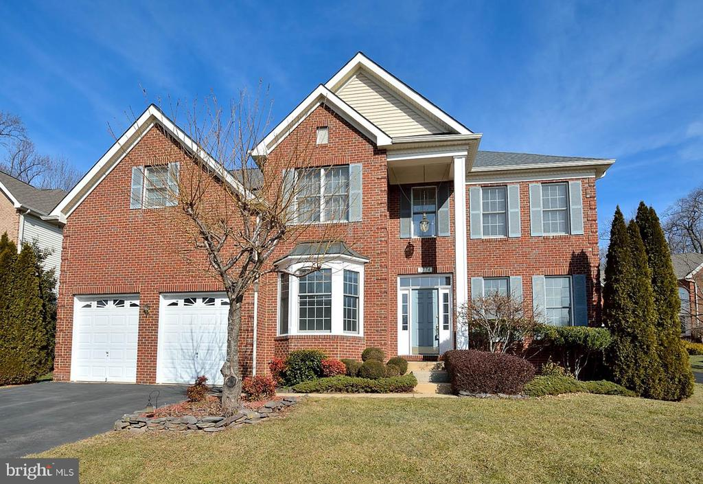 One of Fairfax 5 Bedroom Homes for Sale at 3774  PENDERWOOD DRIVE