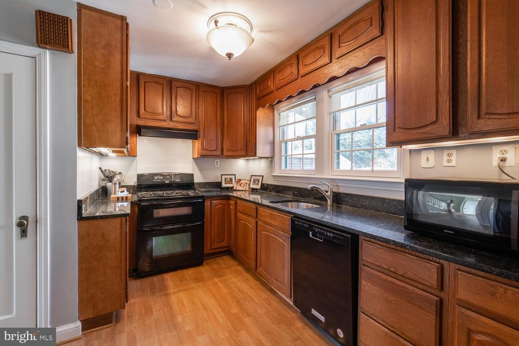 Now you are cooking with Gas! - 522 N NORWOOD ST, ARLINGTON
