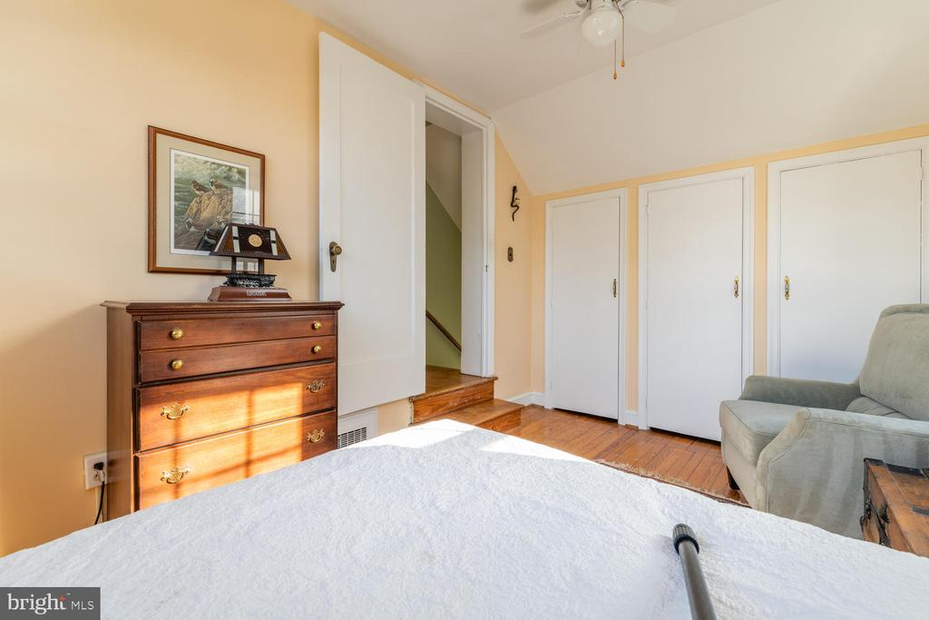 Great room for an office if needed - 522 N NORWOOD ST, ARLINGTON