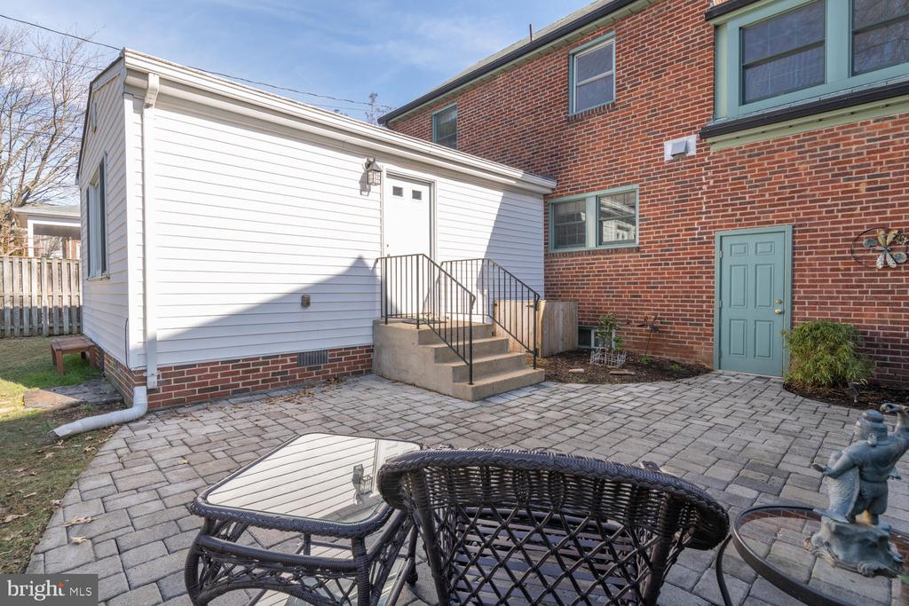 Relax and enjoy the great outdoors! - 522 N NORWOOD ST, ARLINGTON