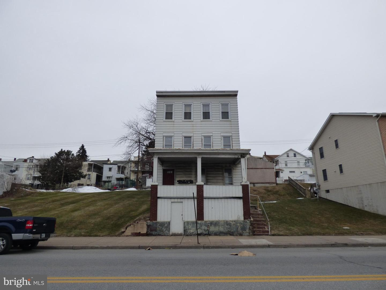 Triplex for Sale at Steelton, Pennsylvania 17113 United States
