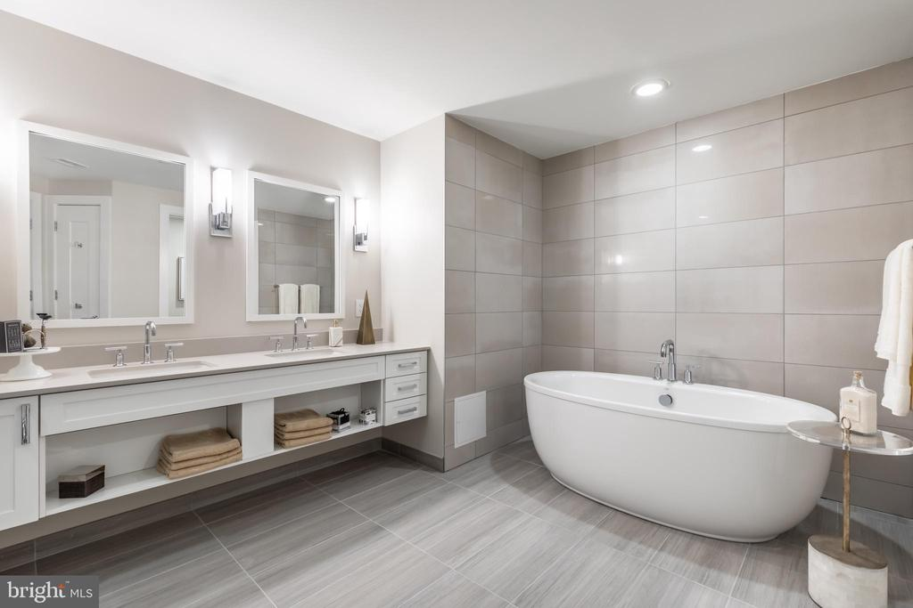 Master Bath - 4960 FAIRMONT AVE #1403, BETHESDA