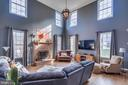.Soaring ceiling and windows - 122 LAWSON RD SE, LEESBURG