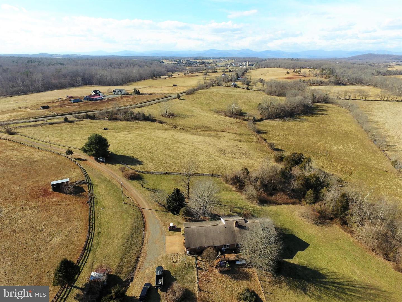 Single Family Homes للـ Sale في Locust Dale, Virginia 22948 United States