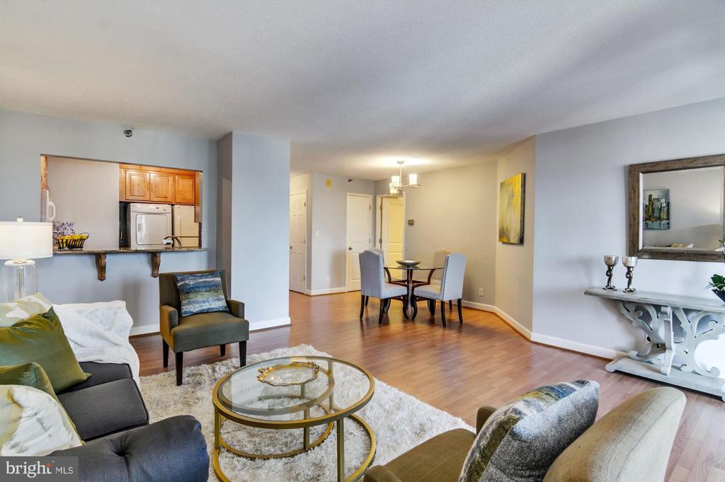 Terrific natural light - 900 N STAFFORD ST #1711, ARLINGTON