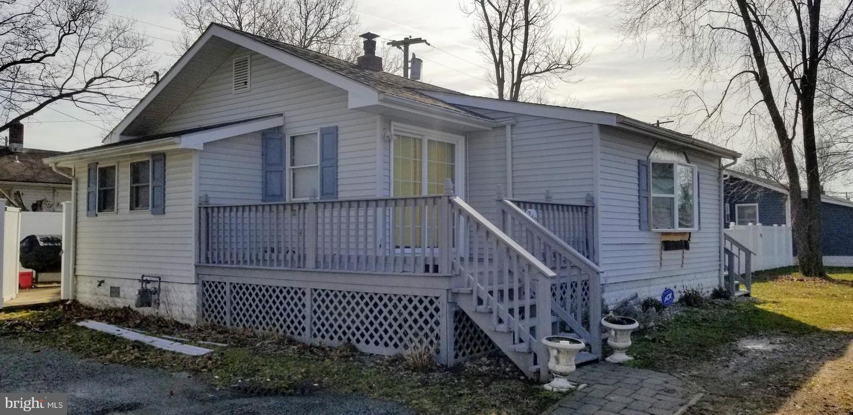 Частный односемейный дом для того Аренда на 243 I Street Carneys Point, Нью-Джерси 08069 Соединенные Штаты