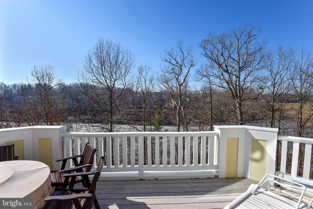 Huge Deck Overlooking Lake Audubon - 2052 BEACON HEIGHTS DR, RESTON