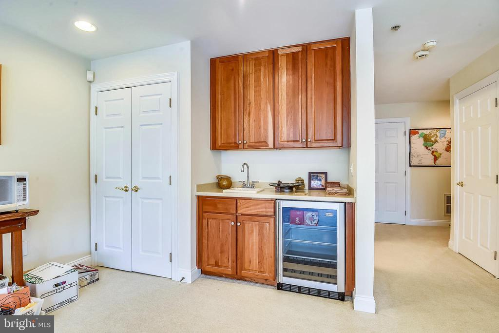Lower Level 3- Wet Bar - 2052 BEACON HEIGHTS DR, RESTON