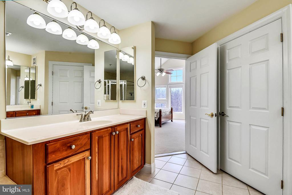 Master Bathroom- View 2 - 2052 BEACON HEIGHTS DR, RESTON