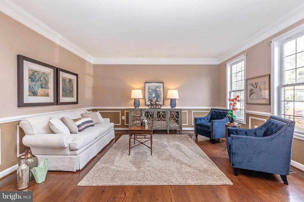 Open Floor Plan with Formal Livingroom - 13402 STONEBRIDGE TER, GERMANTOWN