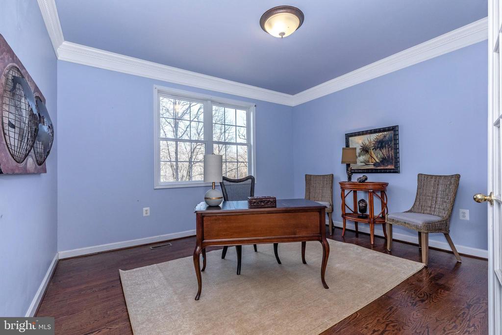 Office can double as First Foor Bedroom! - 13402 STONEBRIDGE TER, GERMANTOWN