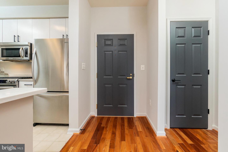 Additional photo for property listing at 1851 Stratford Park Pl #114 1851 Stratford Park Pl #114 Reston, Virginia 20190 United States