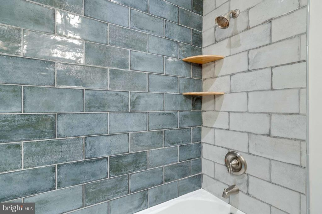 Updated Tile in Main Level Bathroom - 5209 CEDAR RD, ALEXANDRIA