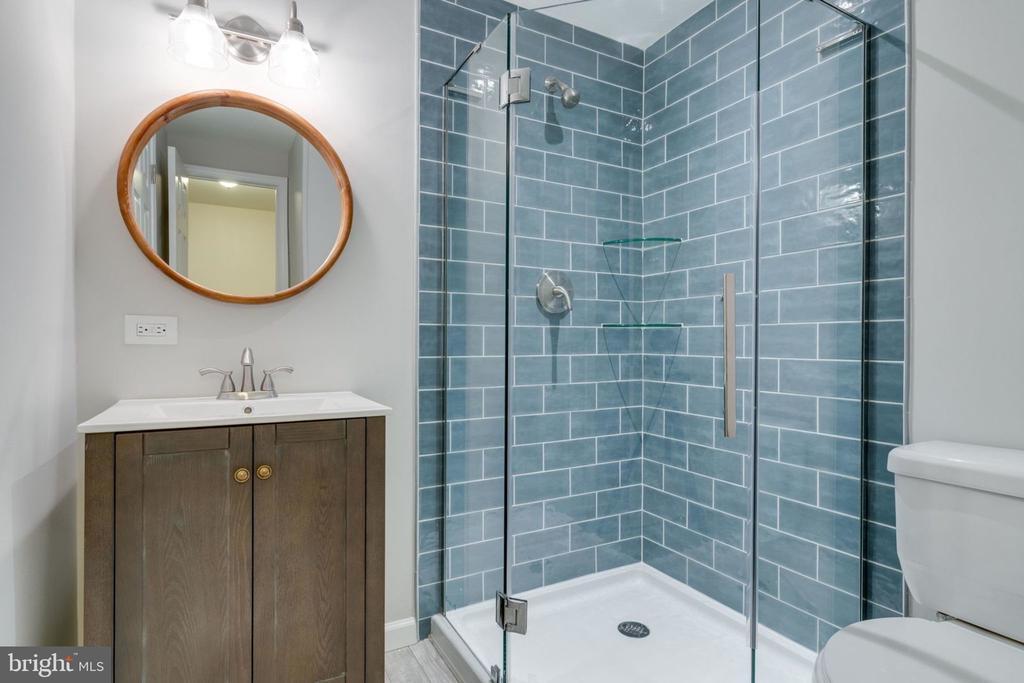 Basement Bathroom - 5209 CEDAR RD, ALEXANDRIA