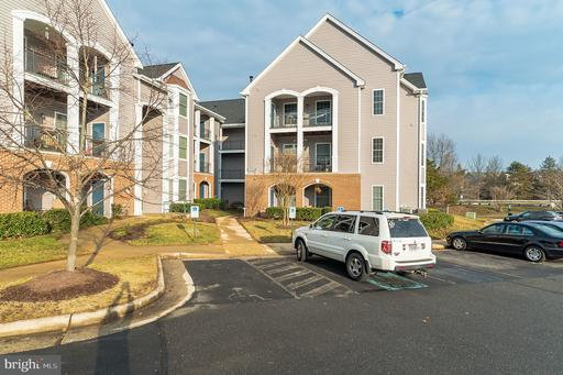 20445 CHESAPEAKE SQ #102