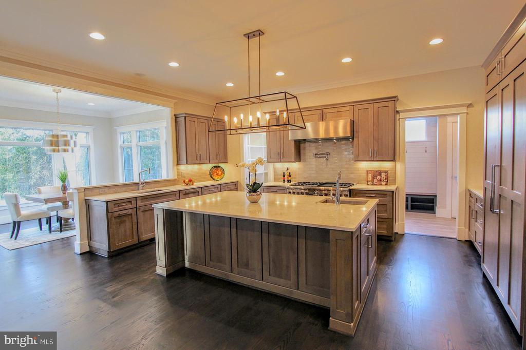 Chef's kitchen, of similar model - 222 LOVERS LN NW, VIENNA