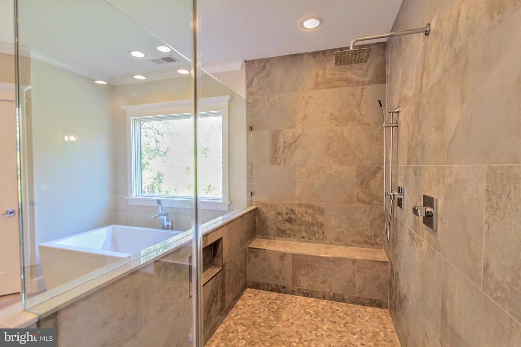 Luxury walk-in shower, of similar model - 222 LOVERS LN NW, VIENNA