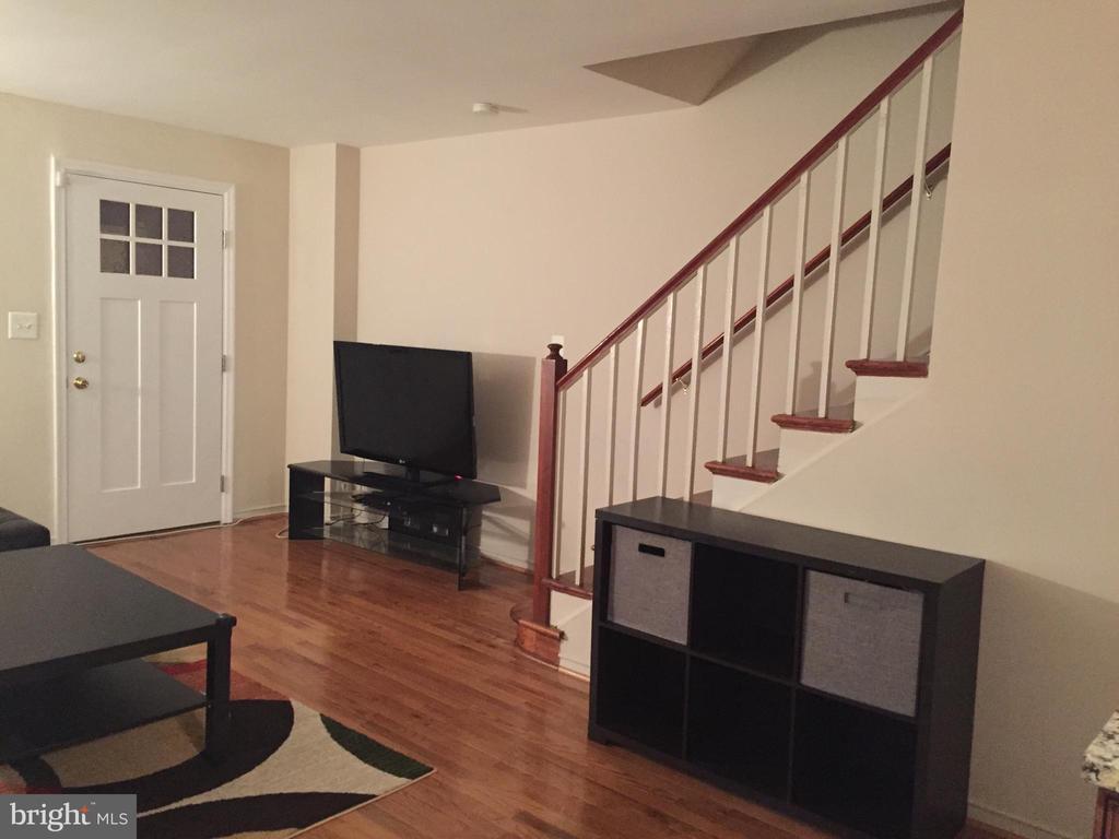 Living room - 4007 AMES ST NE, WASHINGTON