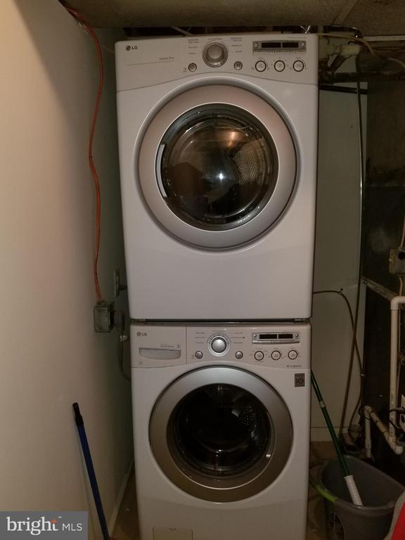 Fully loaded LG washer and Dryer - 4007 AMES ST NE, WASHINGTON
