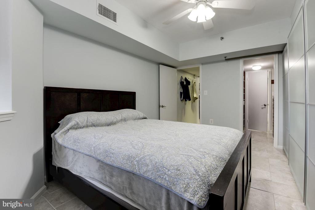 Master Bedroom - 1001 N RANDOLPH ST #205, ARLINGTON