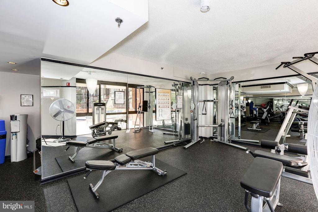 Fitness Room - 1001 N RANDOLPH ST #205, ARLINGTON
