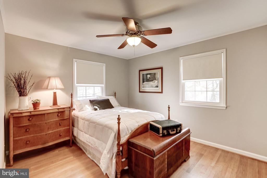 Bedroom 3. Hardwoods throughout. - 1406 EARNSHAW CT, RESTON