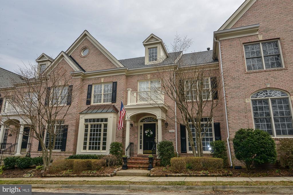3982  BALLYNAHOWN CIRCLE, Fairfax, Virginia