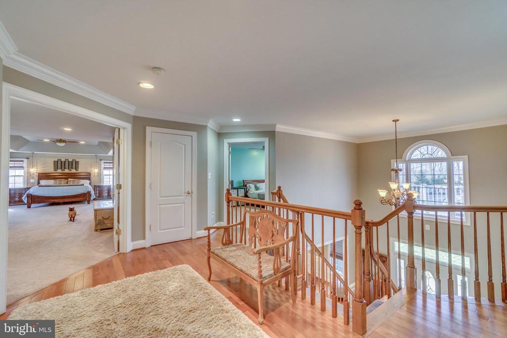 Upstairs Hall with Open Balcony Looking Over Foyer - 70 ALDERWOOD DR, STAFFORD