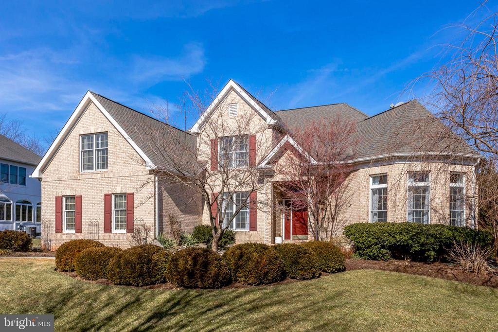 - 10522 DUNN MEADOW RD, VIENNA