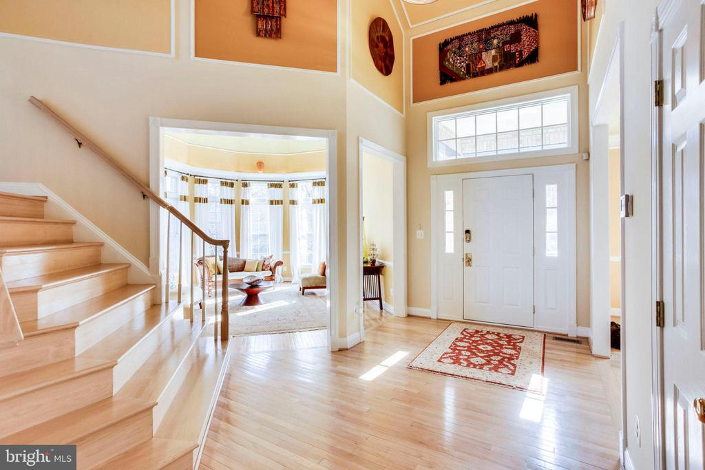 Entrance - Foyer - 10522 DUNN MEADOW RD, VIENNA