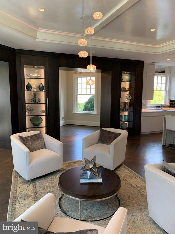 Beautiful, custom lighted display shelves - 7301 DULANY DR, MCLEAN