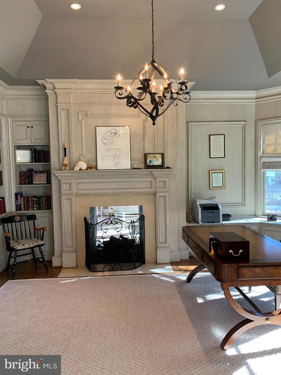 Office w/double sided fireplace (shared with LR) - 7301 DULANY DR, MCLEAN