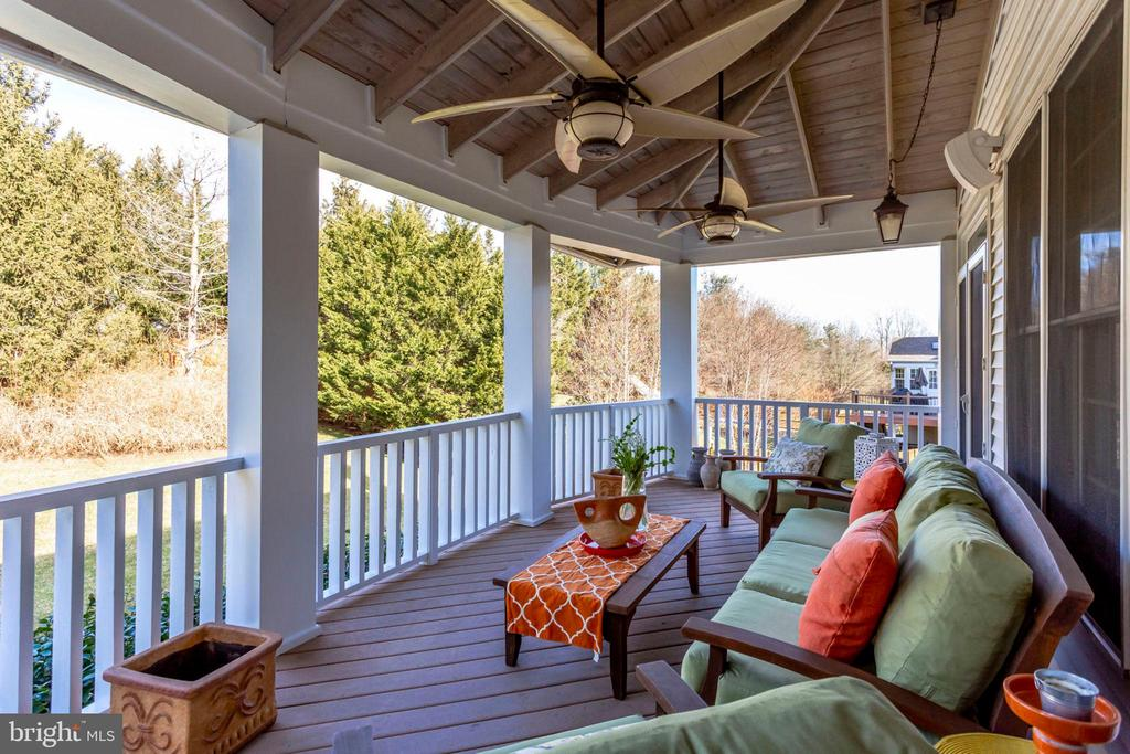 Exterior porch - 10522 DUNN MEADOW RD, VIENNA