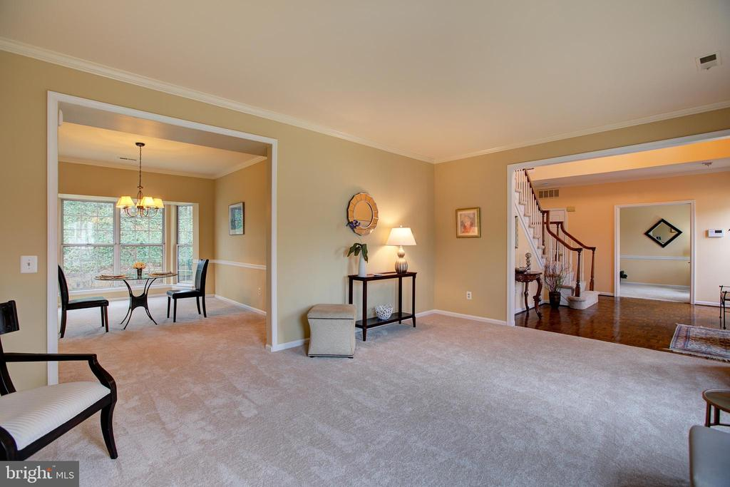 View of public areas - 12311 CLIVEDEN ST, HERNDON