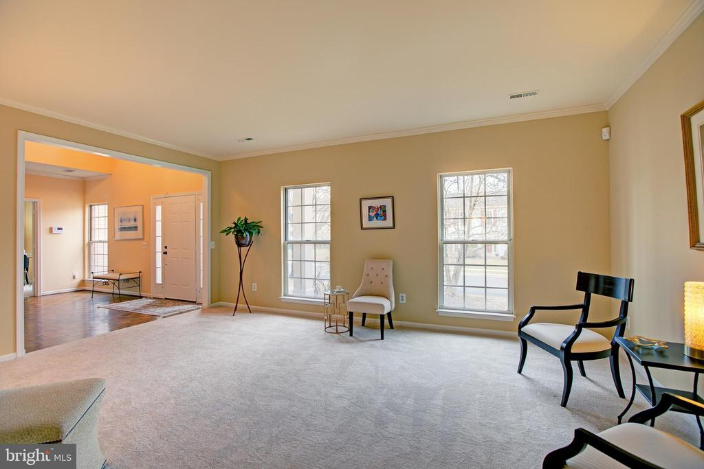 New carpeting through out the house - 12311 CLIVEDEN ST, HERNDON
