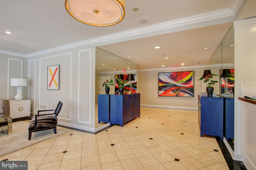 The Weslie Lobby - 1401 N OAK ST N #305, ARLINGTON