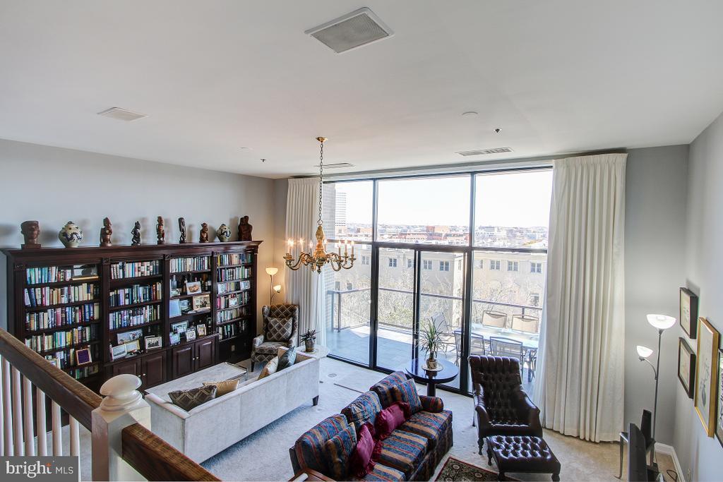 Great Room opens to large Balcony - 1401 N OAK ST N #305, ARLINGTON